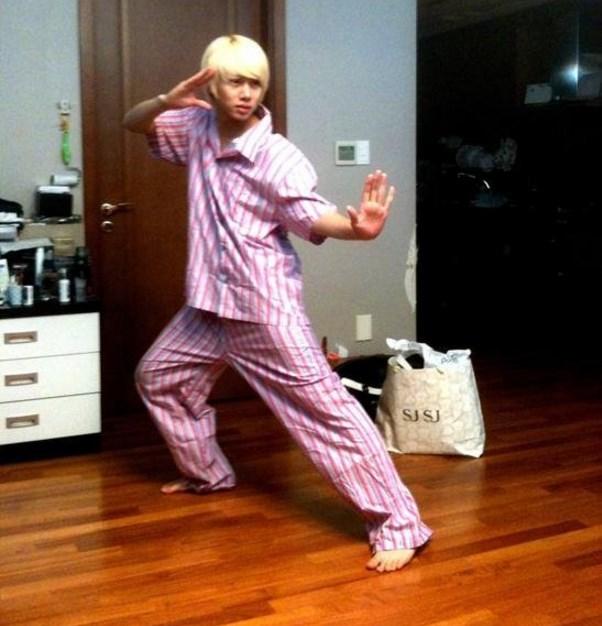 Heechul en pijama