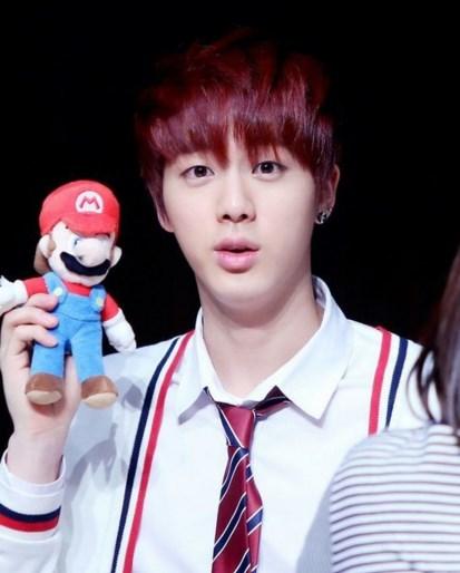 Jin con Mario