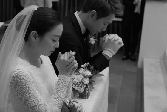 rezando kim y Rain